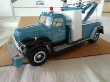 1st GEAR 1957 INTERNATIONAL R200 1/34 SCALE TOW TRUCK STOREY WRECKER SERVICE