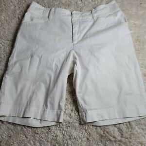 Lee Just Below The waist Women Bermuda Shorts White Sz 12M (AB42)
