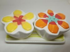 Home Ceramic Salt Pepper Shakers Flowers White Orange Red Yellow Base Plate