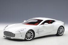 AutoArt Aston Martin One-77 Frost White 1/18