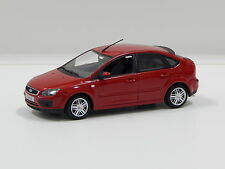 1:43 2004 Ford Focus (Red) Minichamps 400 084001