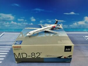 Dragon Wings SAS MD82 OY-KHE 1:400