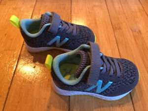 New Infant Baby Size 4 Sneakers New Balance Fresh Foam Shoes ~ Gray/Blue