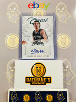 2012-2013 Panini Crusade Nando De Colo  #10 Auto RC Rookie Basketball Card MINT