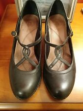 Clarks Womens 7.5M Black Leather Mary Jane Heels Round Toe Buckle Pumps Shoes