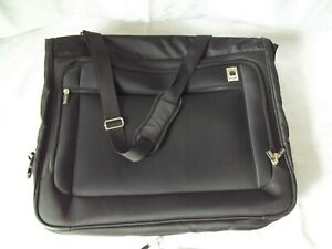 """DELSEY  42"""" x 22"""" Shoulder Carry On Hanging Garment Bag Black"""