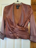 Cachet Top Size 8, new without tags, zipper on back, blouse, Medium