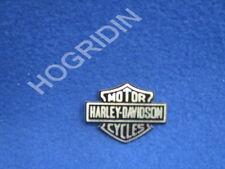 99352-82 GENUINE HARLEY DAVIDSON  Bar & Shield Medallion touring softail dyna