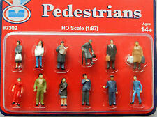 SET OF 12 PAINTED PEOPLE  ~ SCENERY FOR MODEL RAILWAY HO SCALE, BRAND NEW
