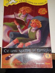 C'è uno spettro in famiglia singleton sperling 1999 completo di adesivi