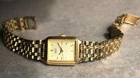 Seiko Ladies Watch V401-5129 RO - Gold Tone Bracelet Link Band Bin N