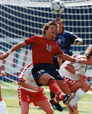 MICHELLE AKERS USA OLYMPIC SOCCER 8X10 SPORTS PHOTO (S)