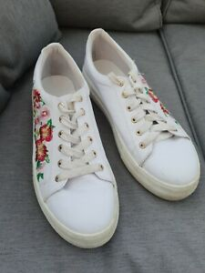 🌺 OFFICE White Flower Embroidered Faux Leather Trainers Low Tops Pumps 6