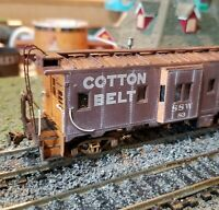 Athearn Cotton Belt Weathered caboose  RTR bay window custom HO metal wheels