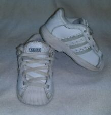 ADDIDAS WHITE & GRAY INFANT BABY TODDLER SHOES SIZE 5K