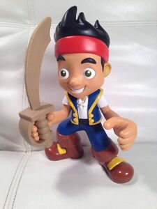 "9"" DISNEY TALKING Jake Neverland Pirates Toy EUC"
