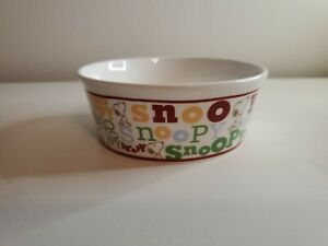 NEW Peanuts Classic Snoopy/ Snoopy Typography Round Pet Bowl Stoneware CUTE!
