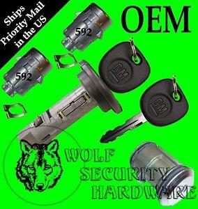 Silverado Sierra P'up Others 02 Ignition Cylinder Door Spare Tire Lock Set 2 Key