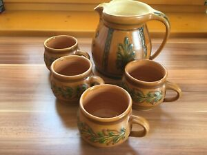 (be) - v. Hoesslin - Saftkrug - Kanne + 4 Becher Henkel - Keramik - handgemacht