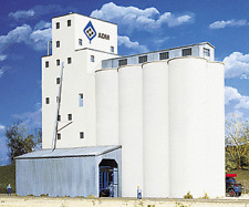Walthers 933-3225 N Cornerstone ADM Grain Elevator Structuer Kit