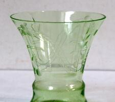 Vase ancien Art Déco cristal de bohème vert RARE
