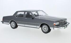 Chevrolet Caprice grau metallic 1987  -  1:18 MCG 18220   *NEW*