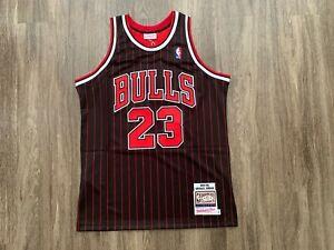 Authentic Michael Jordan Mitchell Ness 1995-96 pinstripes Chicago Bulls Jersey L