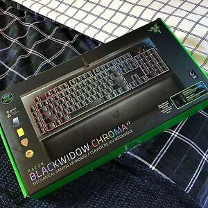 Razer BlackWidow Chroma V2   Green Switch   New Condition