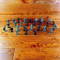 Toy Soldiers X 31 Play Figures Toys Vintage Army Warriors Gladiators ect...