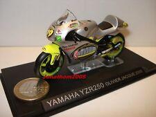 MOTO YAMAHA YZR250 N° 19 OLIVIER JACQUE 2000 au 1/24°