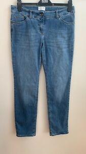 Gerry Weber best4me Roxeri light blue wash straight leg stretch jeans size 16s