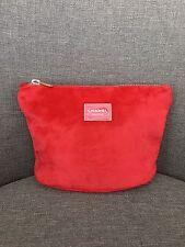 Chanel Makeup VIP Gift Red Velvet Cosmetic Makeup Bag Clutch Gold Zip 0614-3 BN