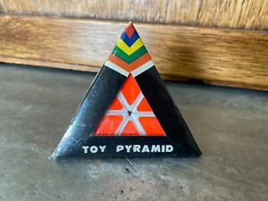 """NOS Vtg Toy 3 1/2"""" Pyramid Rubics Style Cube Triangle Puzzle Taiwan Brain Teaser"""