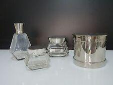 SAGLIER Frères et cie, Nécessaire de salle de bains en verre et métal argenté