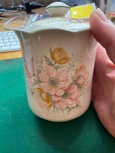 Vintage St Michael M&S 'Anemone' Pot with Lid 2185/5694 H14xW12cm W 430 grams