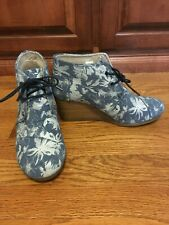 TOMS Womens Blue Suede Floral Print Desert Wedge  Size 8.5