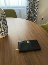 100% authentic TORY BURCH continental wallet/ black
