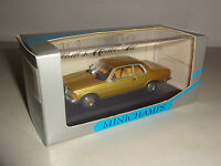 Mercedes-Benz W 123 Coupe 230 CE gold metallic - Minichamps 1:43