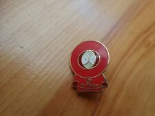 CLASSIC MAN UTD MANCHESTER UNITED KENNY SOUTH PARK FOOTBALL PIN BADGE