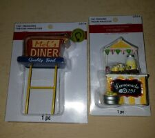 Tiny Treasures Mel's Diner Rustic Garden Lights Up Decoration & Lemonade Stand