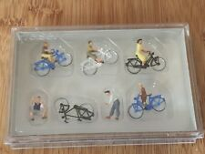 Preiser 10716 HO 1:87; Jugendliche mit dem Fahrrad