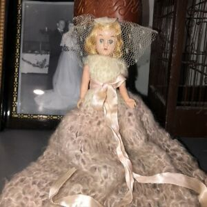 """Vintage 1940s Dolls Of All Nations 9"""" Doll Hand Crochet Pink Mohair Gown Blonde"""