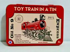 TOY TRAIN IN A TIN Works Battery operated 4 cars 12 pc track Plastic Old no. 9