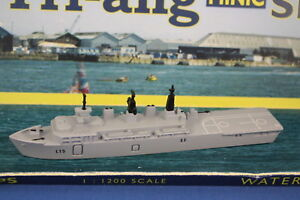 Hms Bulwark L15 De Triang Minic Naves