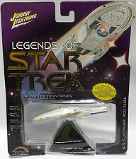 STAR TREK VOYAGER : U.S.S VOYAGER NCC-74656 CARDED MODEL BY JOHNNY LIGHTNING