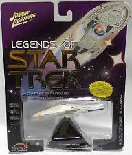 STAR TREK VOYAGER : U.S.S VOYAGER NCC-74656 CARDED MODEL BY JOHNNY LIGHTNING