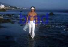 BRAD PITT #76,BARECHESTED,SHIRTLESS,barefoot,barefeet,8x10 photo