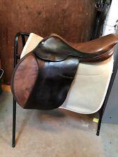 """17.5"""" Flat Seated Medium Jumping Saddle English"""