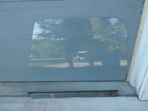 CHEVY GMC TRUCK SUBURBAN BLAZER 81-87 GLASS DRIVER FRONT C10 C20 K5 K10 K20