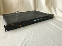 Roland DIGITAL DELAY SDE-3000 Vintage Delay Machine sde3000